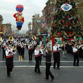 Universal Holiday Parade